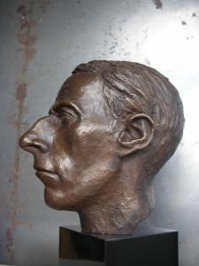 056 alexandra martin sculpture colin
