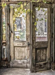 098_lois_wilkes_photography_doors