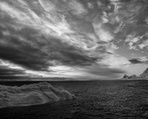 073 frank parisi sunset gerlache strait antarctica