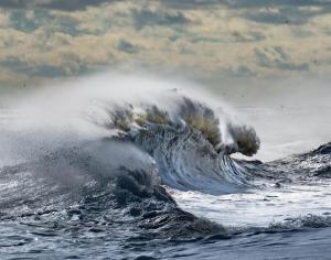 037 tom lynch angry sea