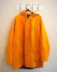 046 estelle knize the raincoat