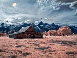 076_bob_novak_t_a_moulton_barn
